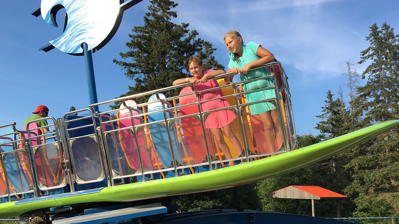 Shining Waters Family Fun Park - Surf's Up